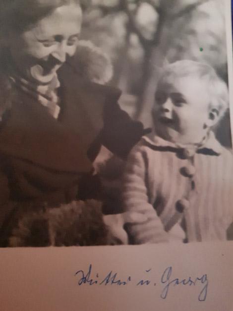 Georg und seine Mutter.