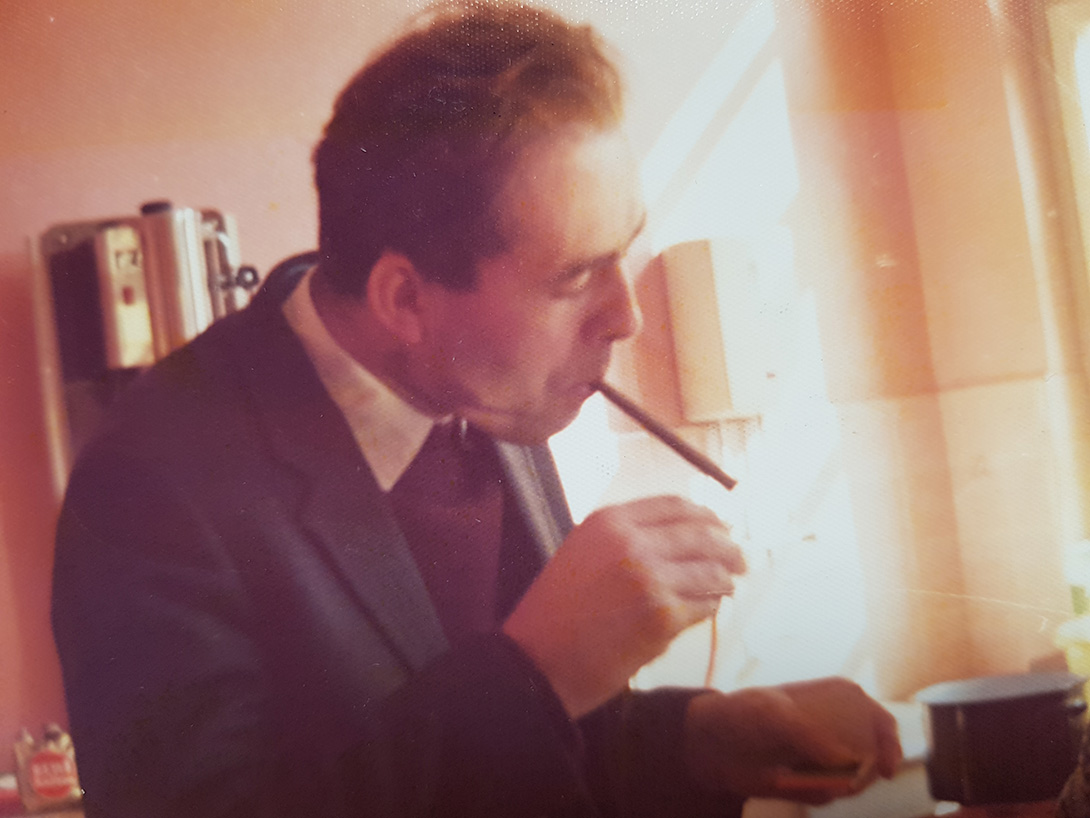 Georg liebte das Rauchen vom 16. bis zu seinem 76. Lebensjahr, indem er es von einem Tag auf den anderen beendete.