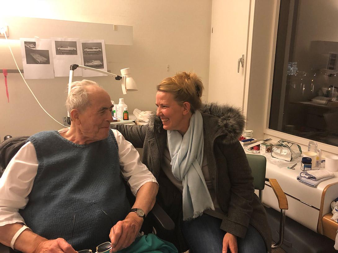 Besuch von seiner Patentochter Johanna Schuberth.